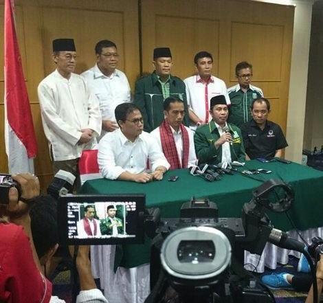 Marwan Ja'far, Jokowi Eriko Sotarduga dan Akbar Faisal [foto: istw]